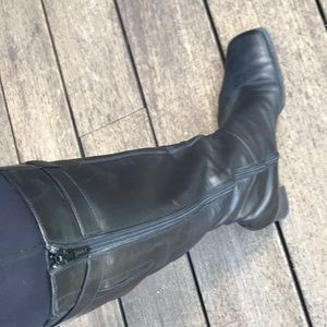 EUC Via Spiga black boots